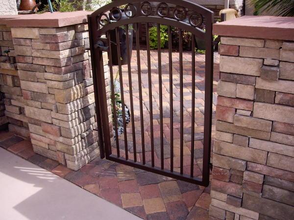 Simple iron gate imgkid the image kid has it