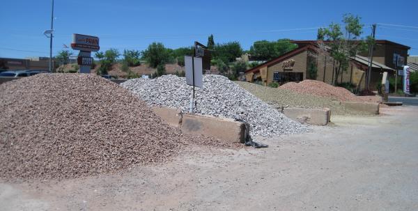 Landscape Gravel Yard