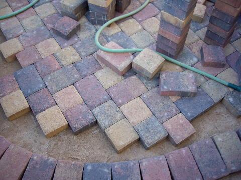 pavestone soldier course border